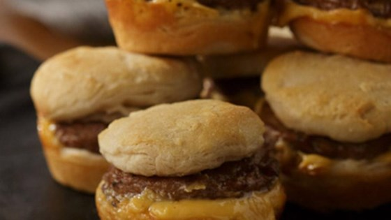 Breakfast Pattie Sliders with Cheese
