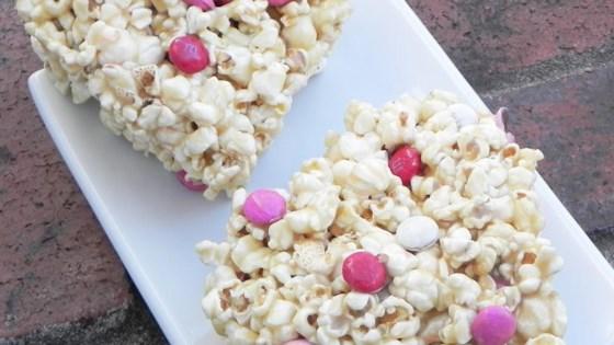 Photo of Easy Caramel Popcorn Balls by redamber