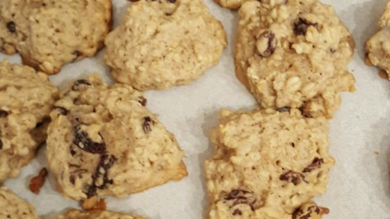 Photo of Grandma's Oatmeal Raisin Cookies by Lisa