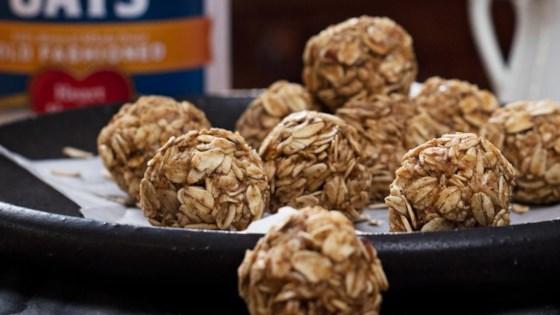 Maple Almond Energy Bites