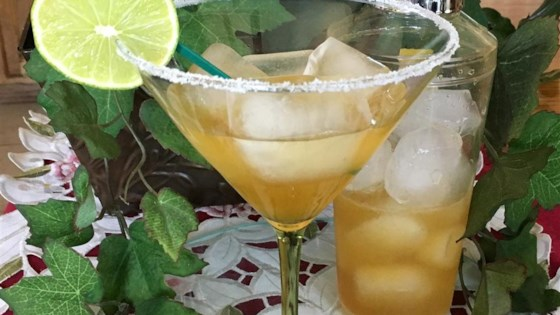 Photo of Easy 4-Ingredient Margarita by sprklnld