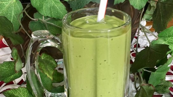 Photo of Banana, Avocado, and Spinach Smoothie by Maria Ro