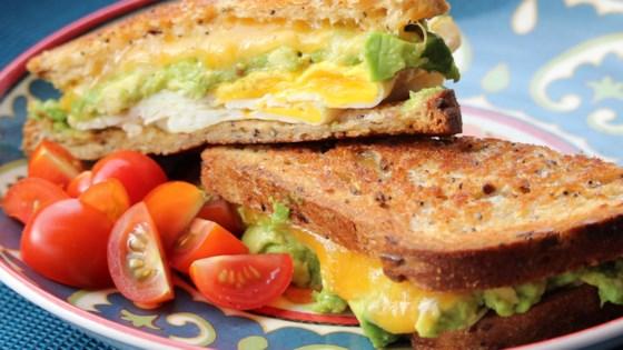 avocado breakfast sandwich review by big red