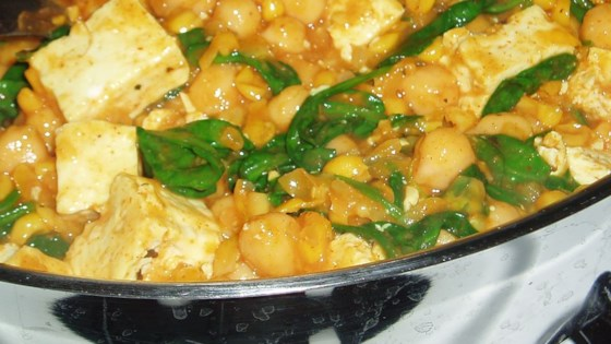 Photo of Spinach Chickpea Curry by BELLACOOLA