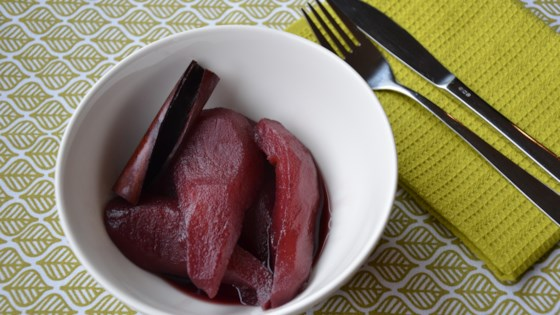 Photo of Stoofperen met Rode Wijn (Red Wine-Poached Pears) by nanda