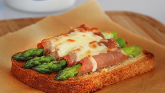 Photo of Bacon-Wrapped Asparagus on Toast by COOKINGFORTHEKING