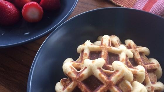 almond flour waffles review by gloriam gloriam