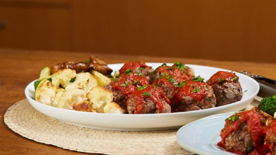 Photo of Mini Meatloaves and Roasted Veggies by RAGÚ®