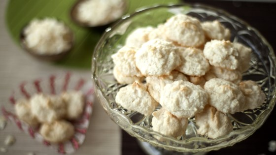 Easy Three Ingredient Gluten Free German Christmas Coconut Cookies