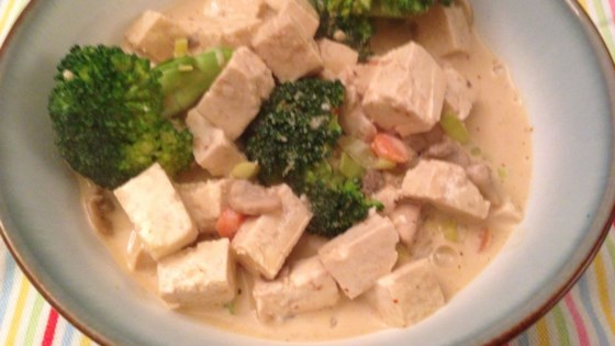 Easy Vegan Red Curry with Tofu and Vegetables