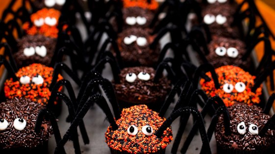 Photo of Spider Cupcakes by Heatherly Noble