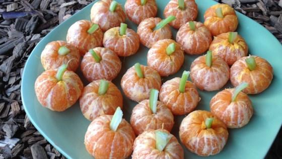 Photo of Mandarin Pumpkins (Healthy Halloween Snack) by muschel