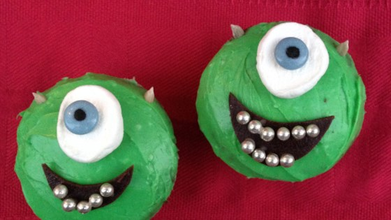 Photo of Halloween Cyclops Cupcakes  by mooku007