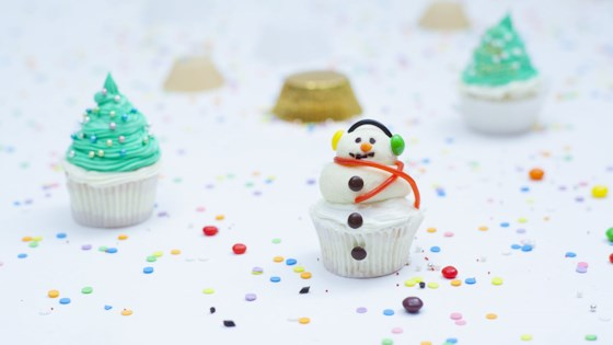 Photo of Snowman Cupcakes by Magda