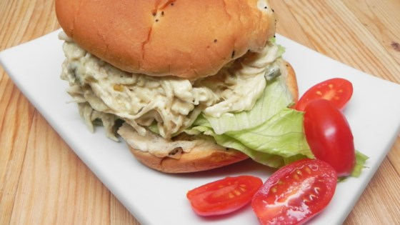 Slow Cooker Shredded Jalapeno Chicken Sandwiches Recipe
