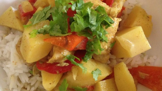 Photo of Easy Slow Cooker Chicken Curry with Potatoes and Coconut Milk  by barbara
