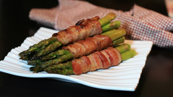 Photo of Bacon-Wrapped Sriracha Asparagus by duboo