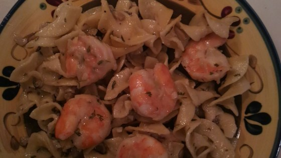 Photo of Garlic Shrimp Scampi with Mushrooms by JamaicaCrazy