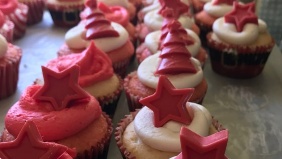 Photo of Peppermint Buttercream Frosting by GlacierFreeze