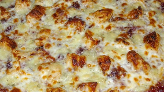 Photo of Brie Cranberry and Chicken Pizza by GILLIE