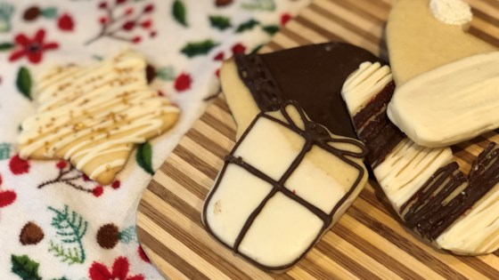 Photo of Easy Vegan Christmas Sugar Cookies by Fioa