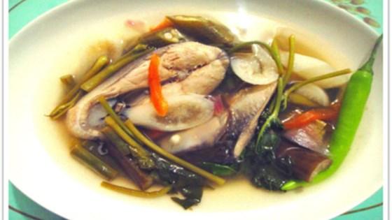 Sinigang na Bangus (Filipino Milkfish in Tamarind Broth)