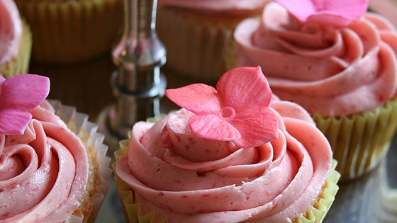 Photo of Real Strawberry Frosting by Candice