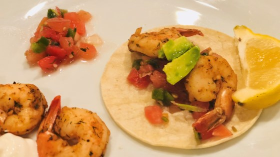 Photo of Spicy Shrimp Tacos with Avocado by Fioa