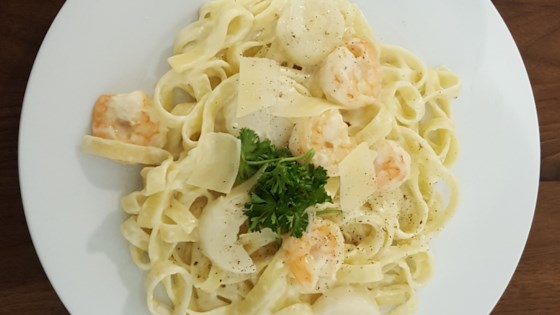 Photo of Seafood Fettuccine by LAQ1013