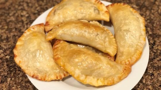 Photo of Empanadas de Pollo (Easy Chicken Empanadas) by Fioa