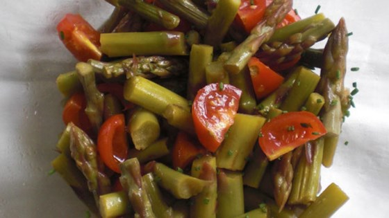 Photo of Warm Asparagus Salad with Tomatoes by backfee