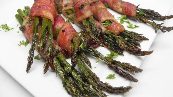 Photo of Bacon-Wrapped Garlic Asparagus  by ARATMARIE