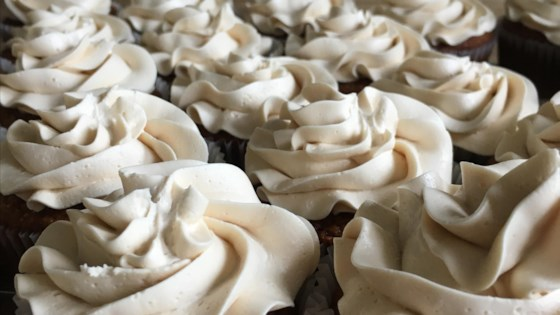 Photo of Italian Meringue Buttercream Frosting with Honey by Jana