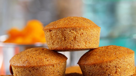 Photo of Kabocha Squash Mini Muffins by MELANIESAYSHI