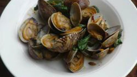 Photo of Hoy Lai Pad Nam Prik Pow (Clams with Chili Paste and Basil) by Toi