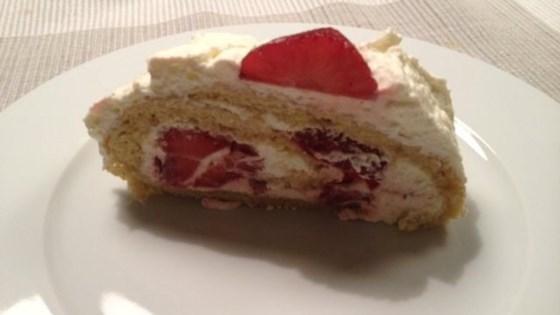 Photo of German Strawberry Roll by elisabeth