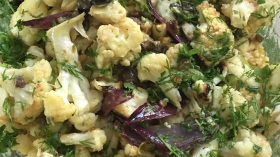 Photo of Vegan Roasted Cauliflower Salad by vewohl