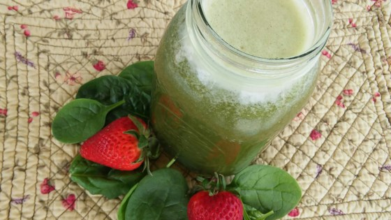 Photo of Spinach Strawberry Agua Fresca by Yoly