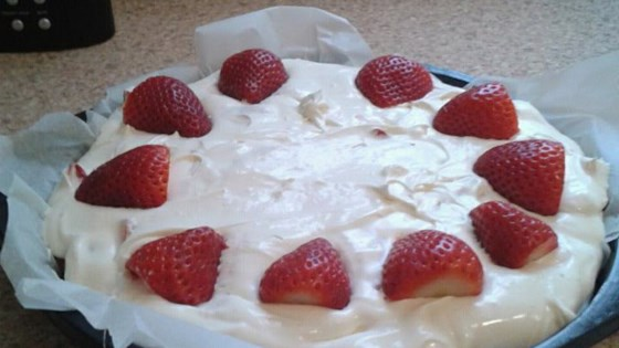 Photo of Easy Strawberry Cheesecake  by alisono