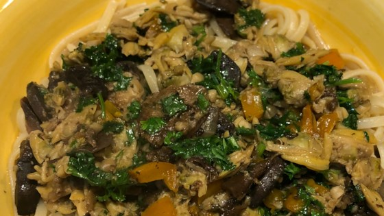 Photo of Linguine with Clam Sauce and Baby Portobello Mushrooms by MOUNTAINRIDER