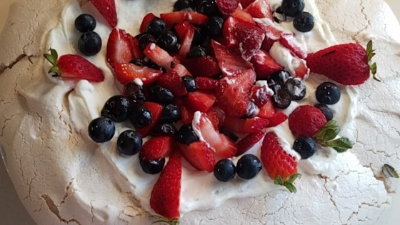 Photo of Easy Pavlova by Rosina