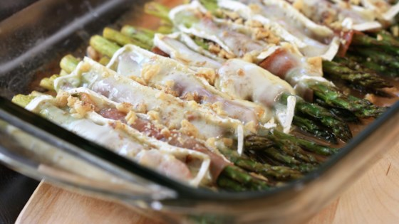 Photo of Brie and Prosciutto Asparagus Bundles by France C.