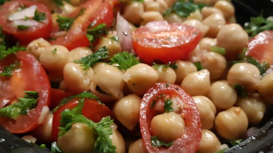 Chickpea Salad with Red Onion and Tomato Recipe