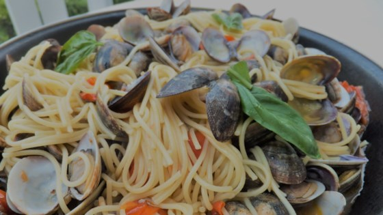 Photo of Spaghetti with Clams and Cherry Tomatoes by alida