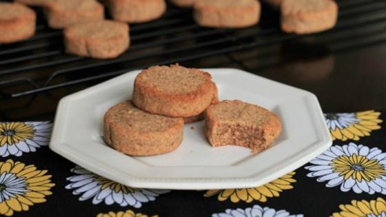 Photo of Keto Vanilla-Cinnamon Cookies by Evelyn