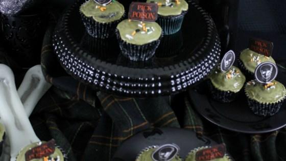 Photo of Vegan Halloween Chocolate Cupcakes with Vegan Matcha Icing by Sandra Garth