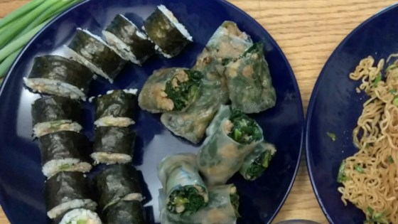 Photo of Spicy Tuna Sushi Roll by sugarplum9085