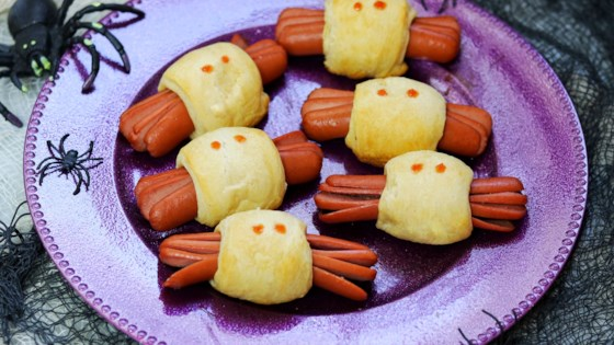 Photo of Spooky Spider Halloween Hot Dogs by fabeverydayblog