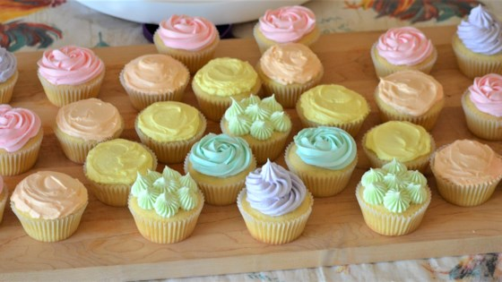 Photo of Vanilla Cupcakes with Swiss Meringue Buttercream by Rae