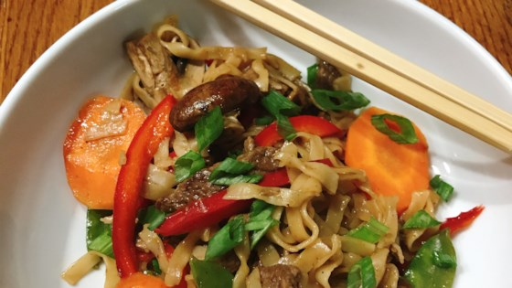 Photo of Beef Lo Mein Noodles by thedailygourmet